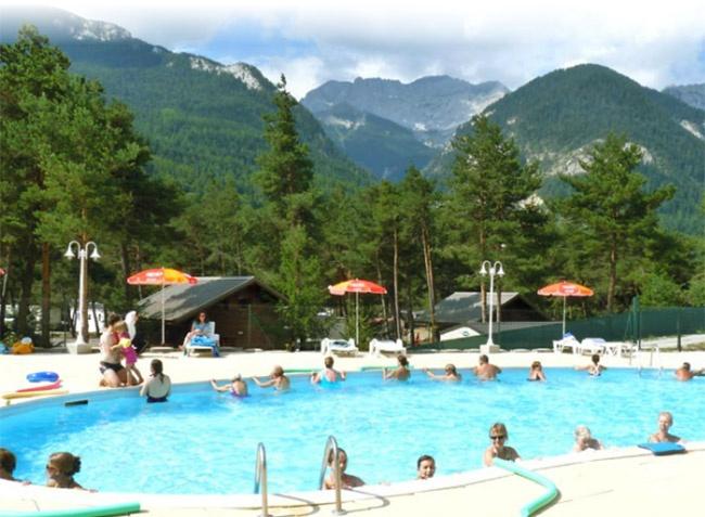 Camping avec piscine barcelonnette for Piscine barcelonnette