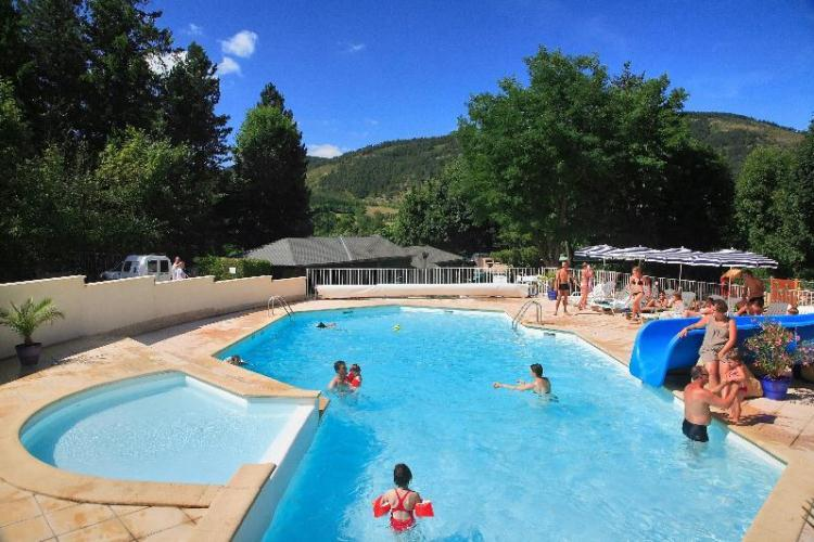 Camping le jardin des c vennes 3 toiles meyrueis toocamp for Camping lozere piscine