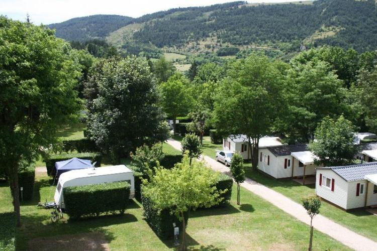 Camping le jardin des c vennes 3 toiles meyrueis toocamp for Camping le jardin