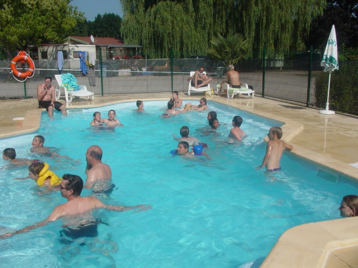 Camping jura 47 campings dans lejura comparer - Camping avec piscine jura ...