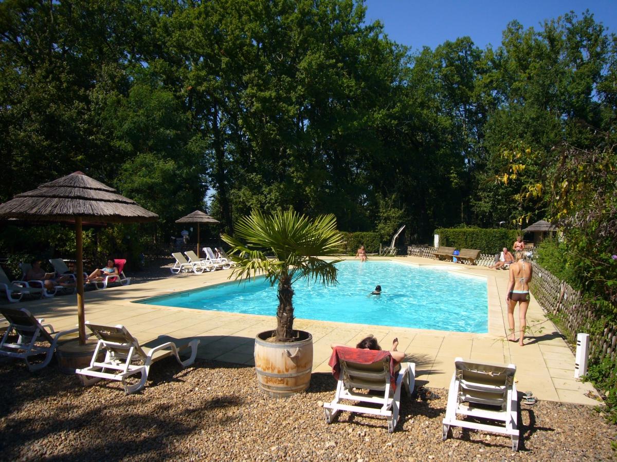 Camping aquitaine avec piscine camping gironde avec for Camping avec lac et piscine