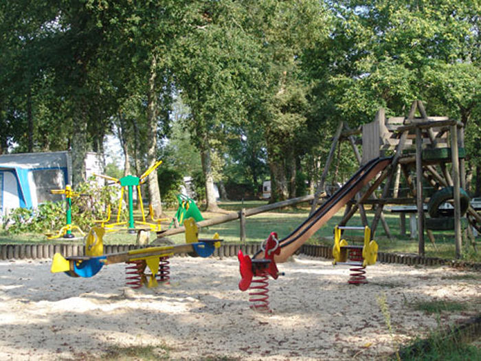 Camping - Saint-Justin - Aquitaine - Le Pin
