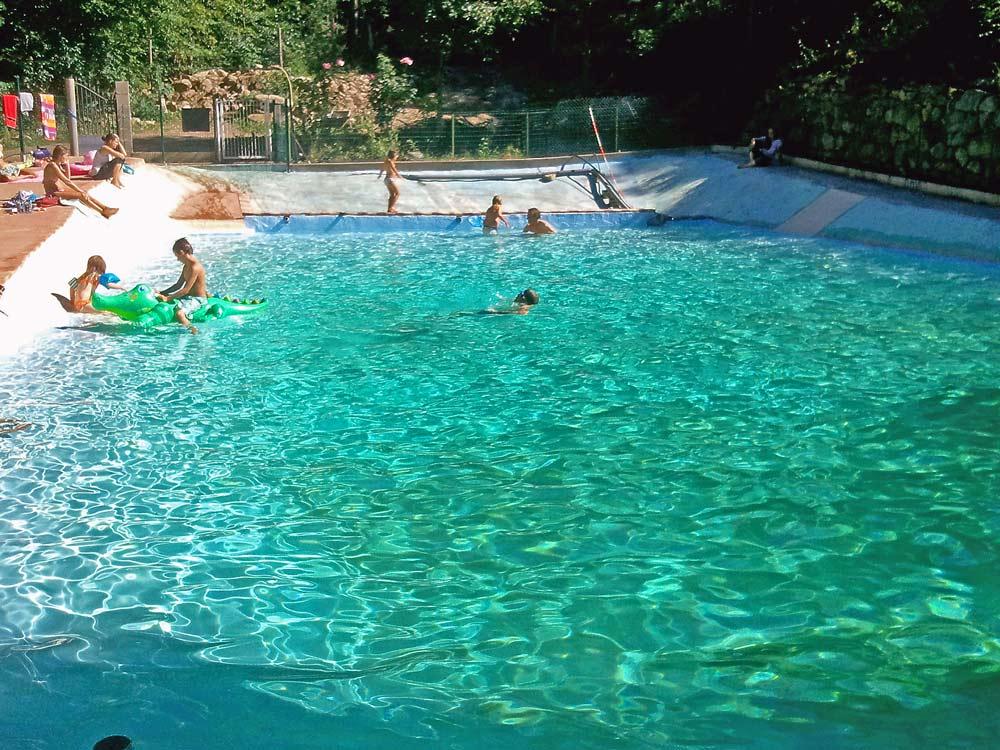 Camping vernet les bains 3 campings et 64 aux alentours - Piscine pyrenees orientales ...