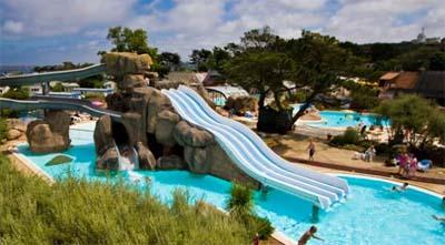Camping perros guirec parc aquatique 1 campings comparer for Camping perros guirec avec piscine