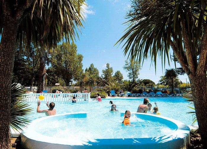 Camping le saint hubert 4 toiles saint georges d 39 ol ron for Club piscine st hubert
