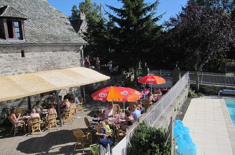 Camping avec piscine saint amans des cots for Aveyron camping avec piscine