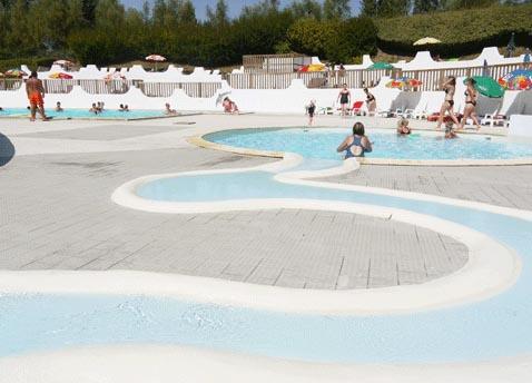 Camping avec piscine fort mahon plage for Camping berck plage avec piscine