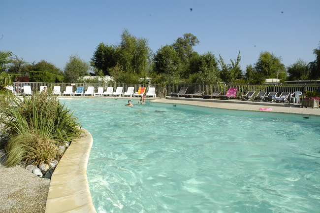 Camping les aub pines 4 toiles le crotoy toocamp for Camping picardie piscine