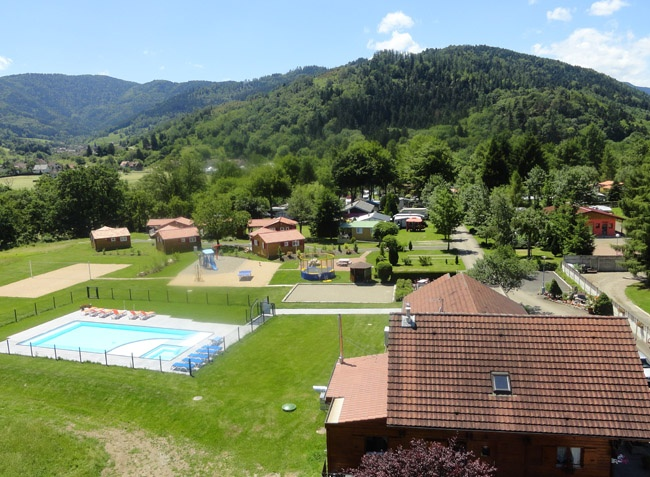 Camping les bouleaux 4 toiles ranspach toocamp for Camping lorraine avec piscine