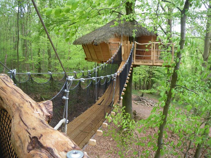 Cabane Dans Les Arbres Nord Mailleraye Fr Jardin