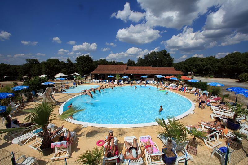 Camping lot avec piscine for Camping avec piscine lot