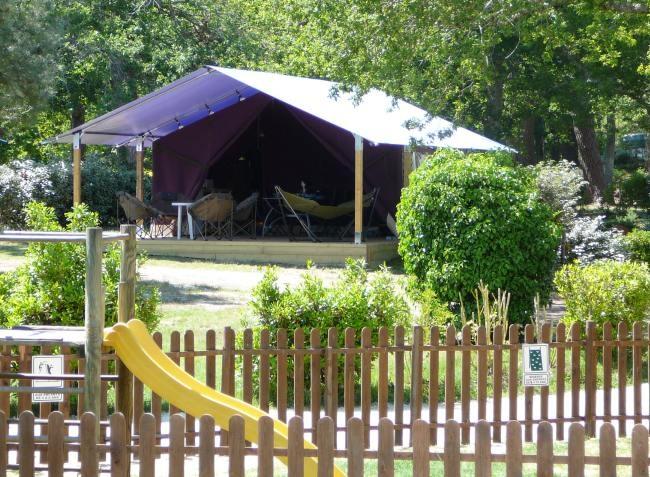 Camping avec piscine saint augustin for Camping poitiers avec piscine