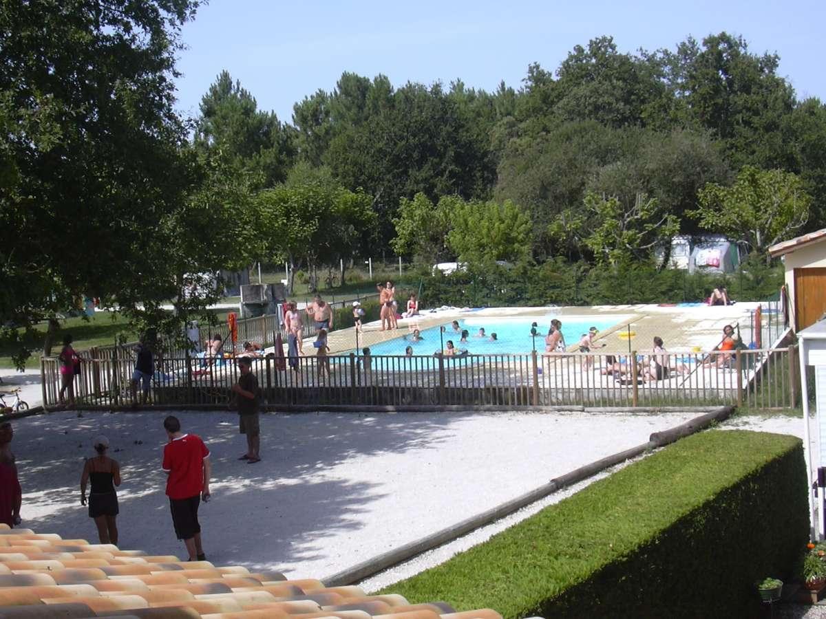 Camping vendays montalivet 8 campings et 139 aux for Alentour piscine