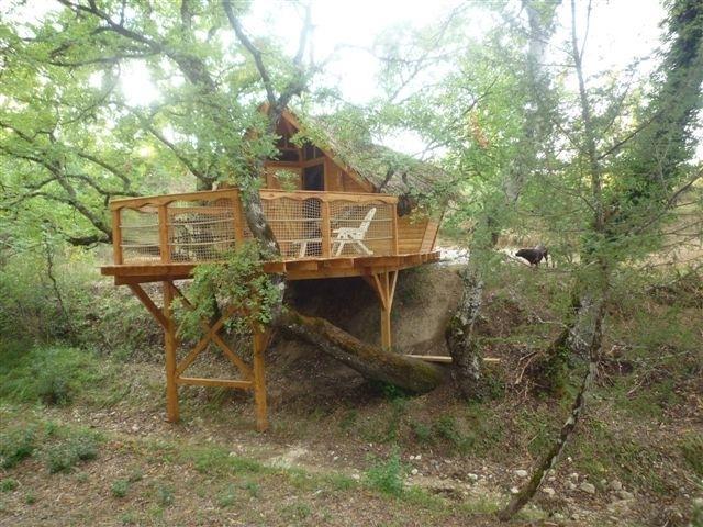 Camping avec piscine forcalquier for Camping alpes de hautes provence avec piscine