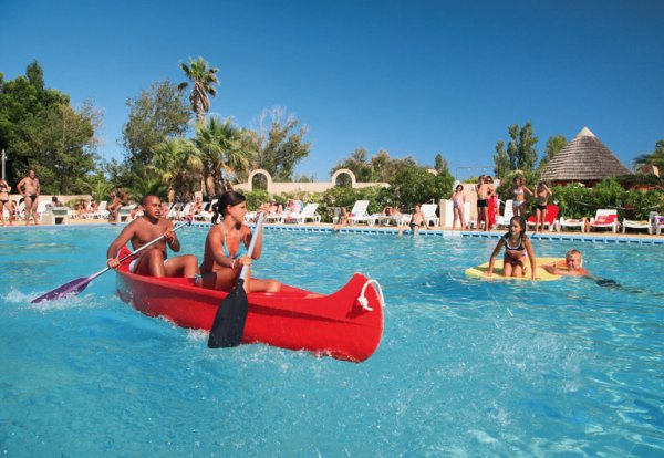 Camping les mimosas 4 toiles narbonne toocamp for Camping bormes les mimosas piscine