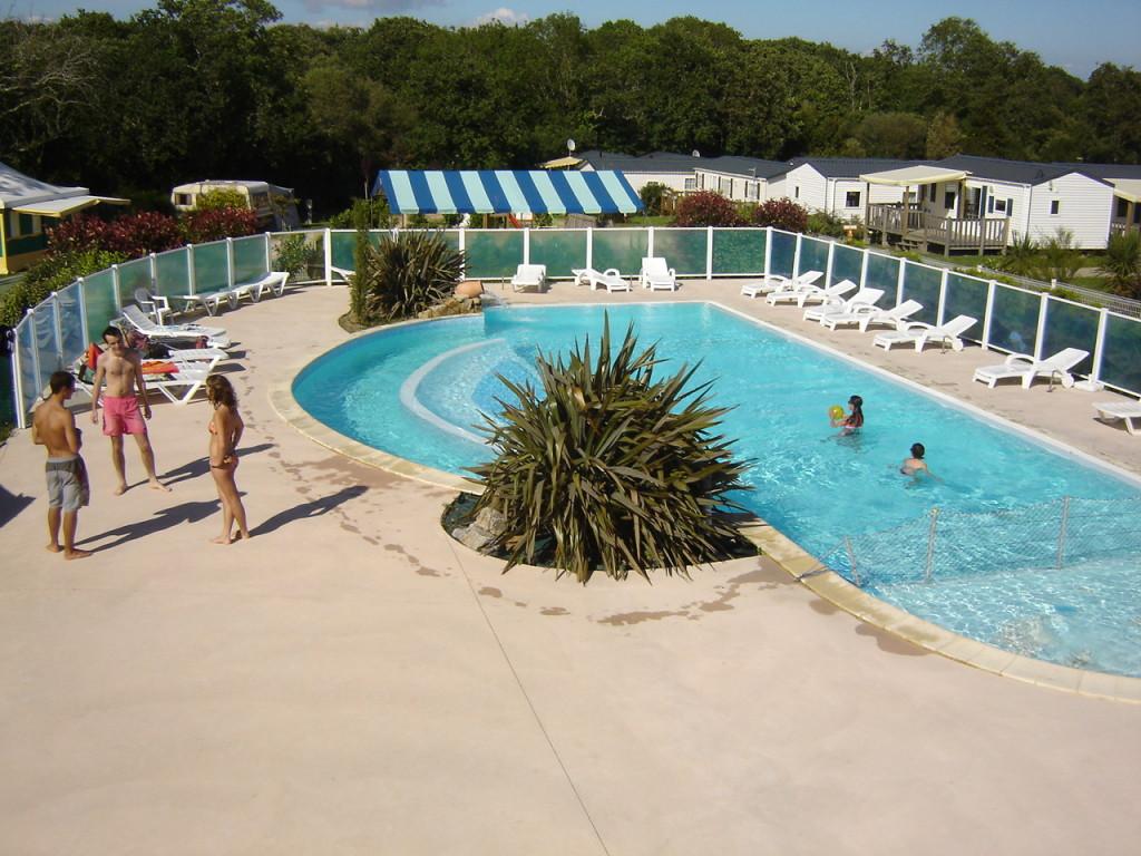 Camping avec piscine bretagne camping bretagne avec for Camping quiberon avec piscine couverte
