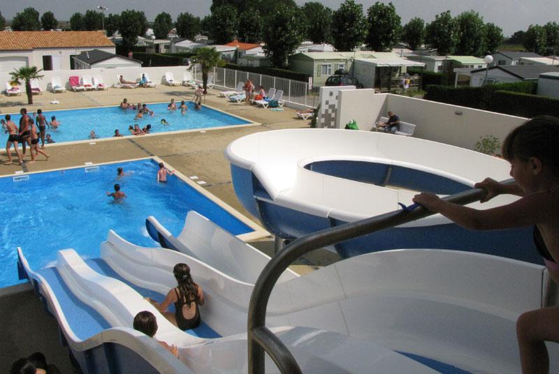 Camping avec piscine la tranche sur mer for Camping a la tranche sur mer avec piscine couverte
