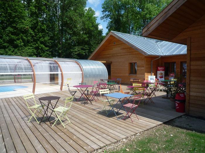 Camping les roulottes de la champagne 1 toiles bar sur for Camping champagne ardennes avec piscine