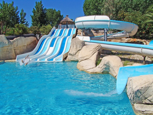 Camping les sables d 39 or 2 toiles le cap d 39 agde toocamp for Camping massif central avec piscine
