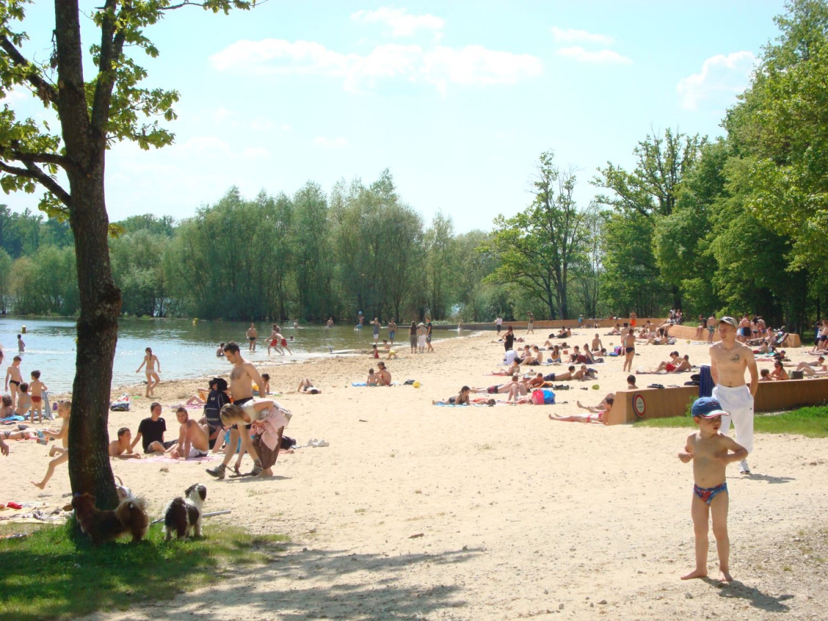 Camping les sources du lac 4 toiles eclaron toocamp for Camping champagne ardennes avec piscine
