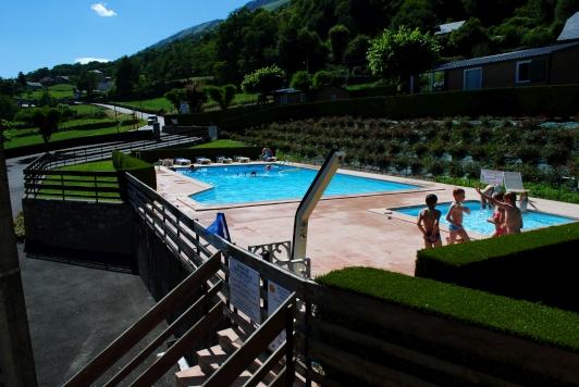 Camping avec piscine cauterets for Camping hautes pyrnes avec piscine