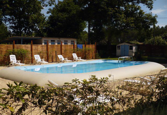 Camping avec piscine saint julien en born for Camping aquitaine avec piscine