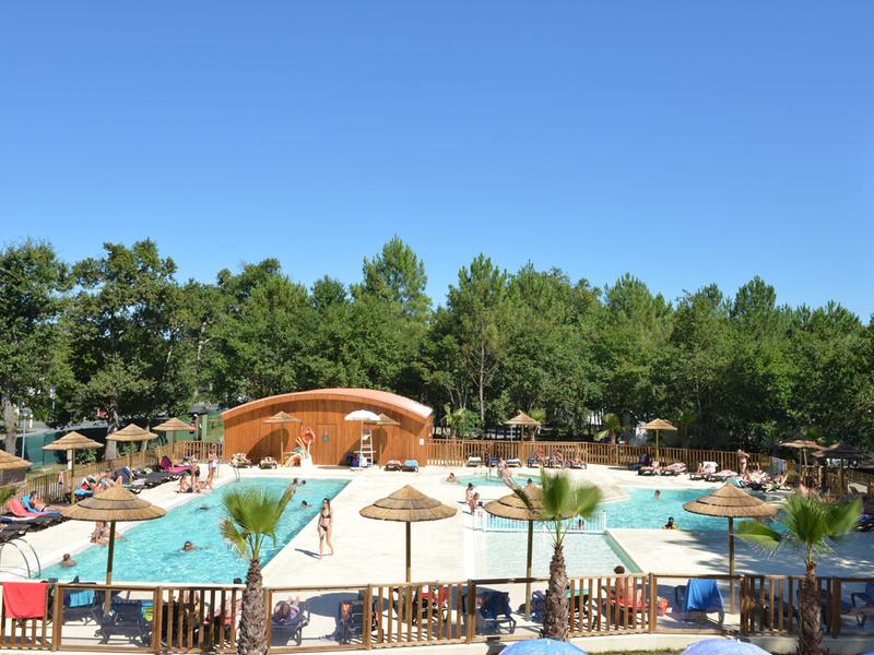 Camping avec piscine ondres for Camping aquitaine avec piscine
