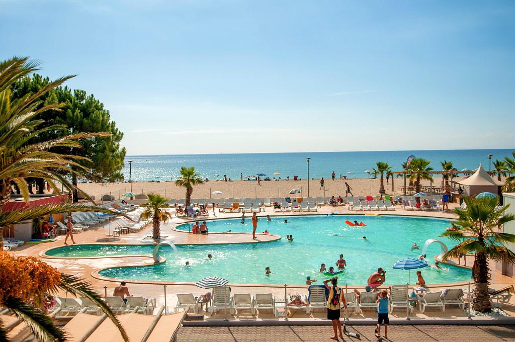 Camping marina d 39 erba rossa 4 toiles ghisonaccia toocamp for Camping a biarritz avec piscine