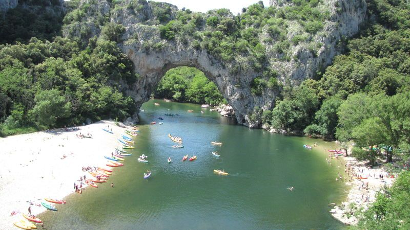 Camping mondial 4 toiles vallon pont d 39 arc toocamp - Camping vallon pont d arc piscine ...