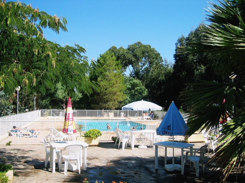 Camping ile rousse avec piscine camping vend e avec for Camping bonifacio avec piscine