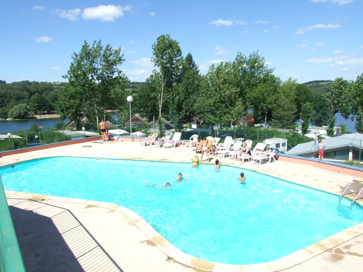 Camping avec piscine salles curan for Camping lac du der avec piscine