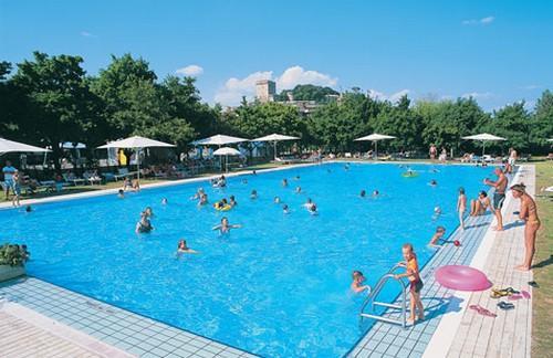 Camping parco campeggio delle piscine 1 toiles for Camping parco delle piscine toscane