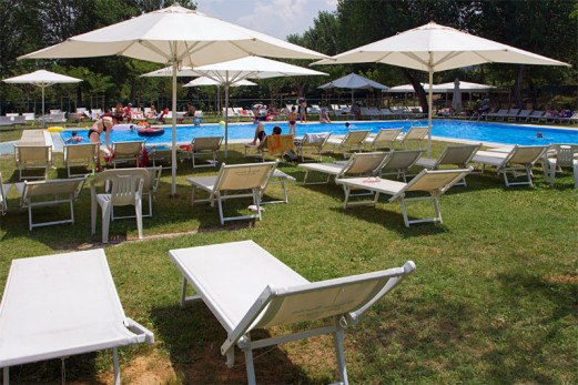 Camping parco delle piscine 4 toiles sarteano toocamp for Camping delle piscine sarteano