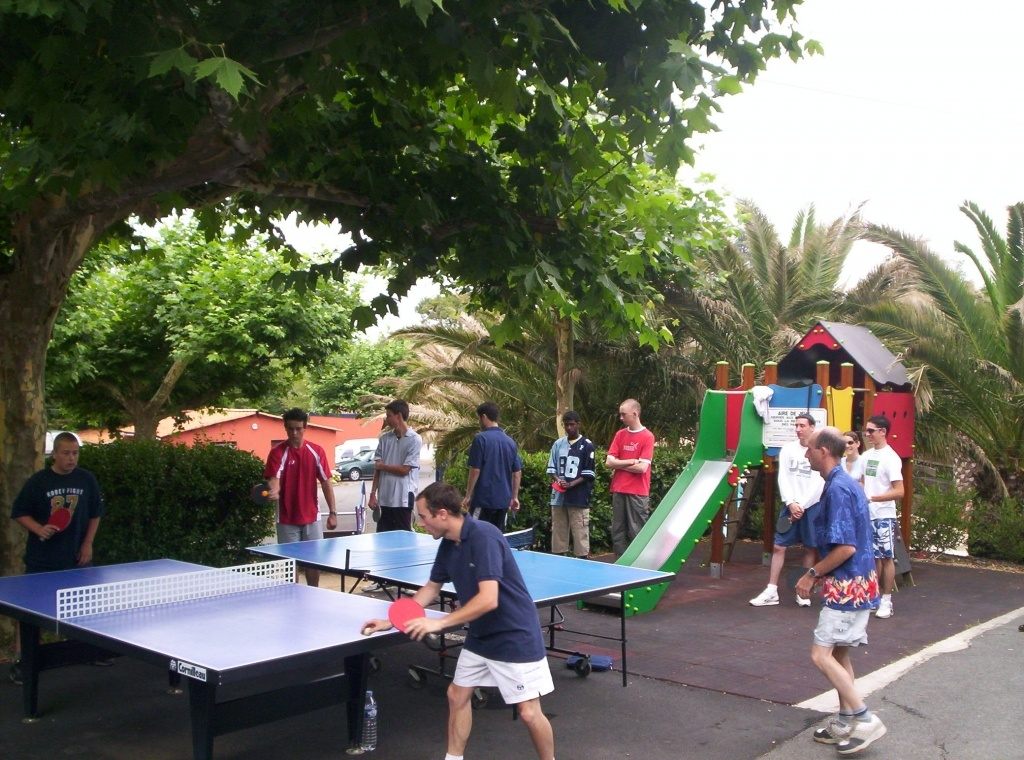 Camping parme biarritz 4 toiles anglet toocamp for Camping a biarritz avec piscine