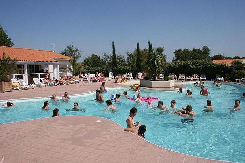 Camping port punay 3 toiles ch telaillon plage toocamp for Camping poitou charente piscine