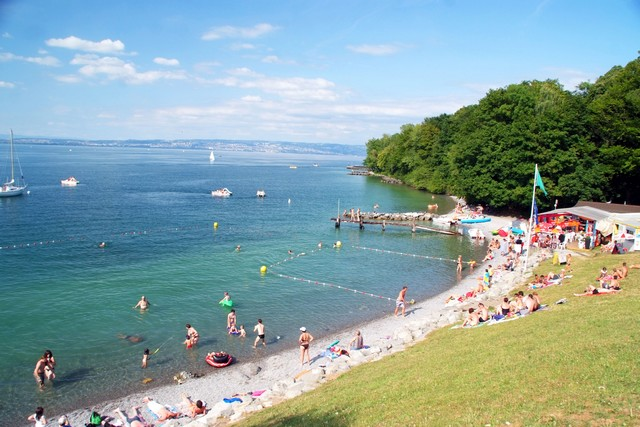 Camping saint disdille 3 toiles thonon les bains toocamp for Camping evian les bains avec piscine