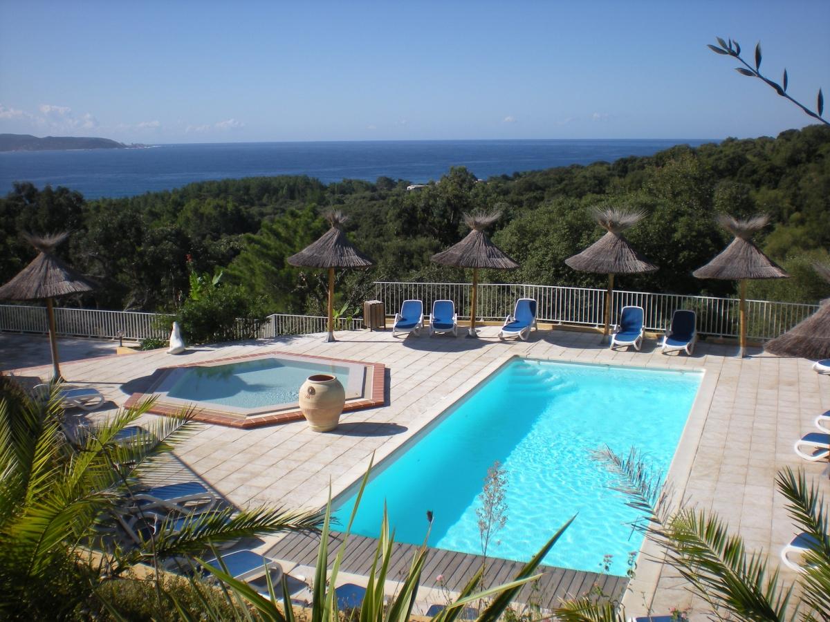 Camping avec piscine propriano for Piscine de camping