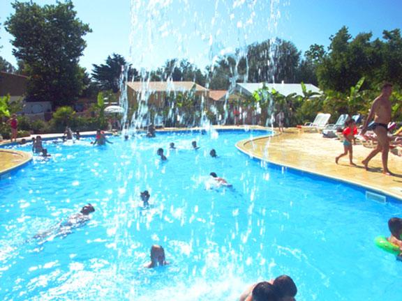 Camping village corsaire des 2 plages 4 toiles for Chatelaillon piscine