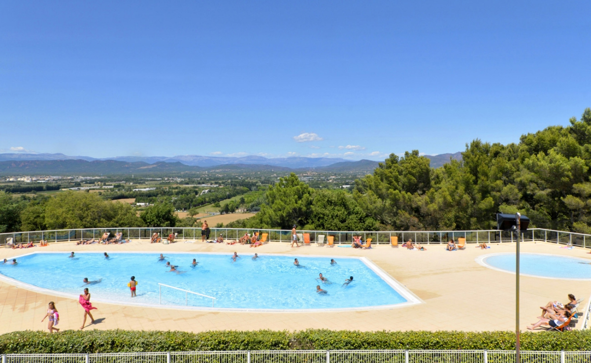 Camping vacaf var tous les campings qui acceptent les for Camping var piscine bord de mer