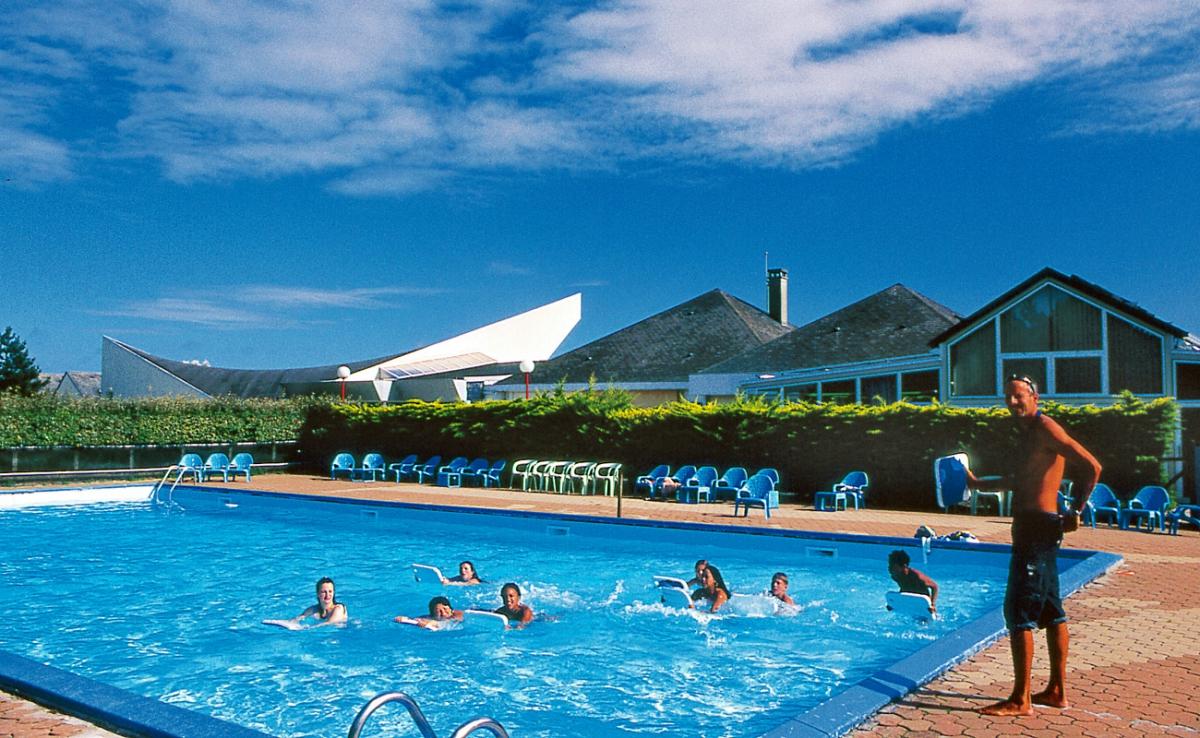 Camping village de vacances le s n quet 2 toiles for Village vacances piscine