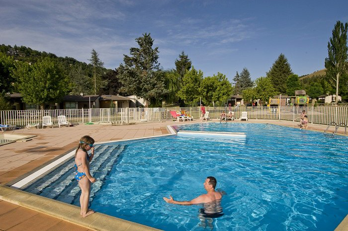 camping avec piscine mende