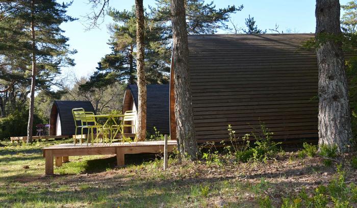 camping val de cantobre 4 toiles nant toocamp. Black Bedroom Furniture Sets. Home Design Ideas