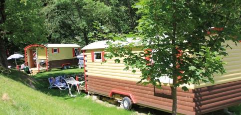 Camping le morel 3 toiles aigueblanche toocamp for Aigueblanche piscine