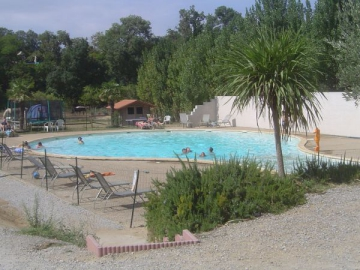 Camping a l 39 ombre des micocouliers 4 toiles tr bes toocamp - Camping carcassonne avec piscine ...