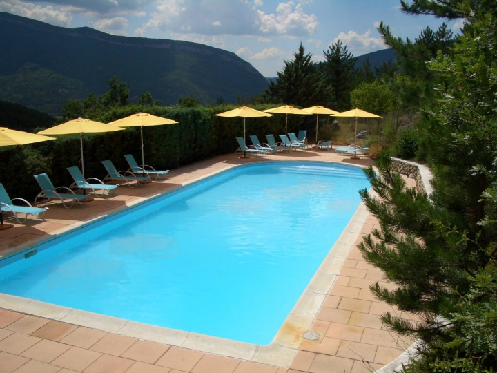 Camping hautes alpes avec piscine for Camping alpes hautes provence avec piscine
