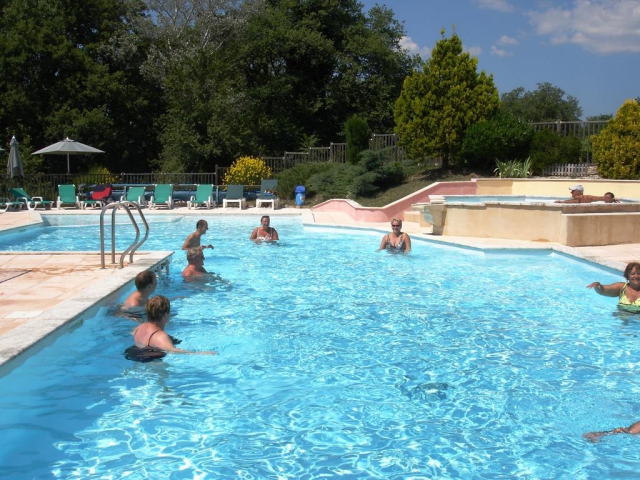 Camping le sagittaire 5 toiles vinsobres toocamp for Camping nyons piscine