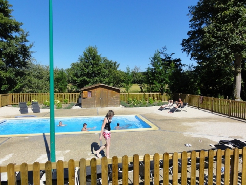 Camping - Domaine du Buisson - Louvemont - Champagne-Ardennes - France