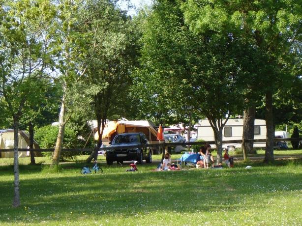 Camping les breuils 3 toiles verdun toocamp for Camping lorraine avec piscine