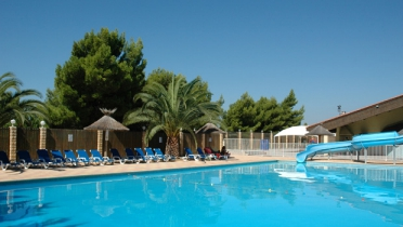 Camping avec piscine narbonne for Camping narbonne plage avec piscine