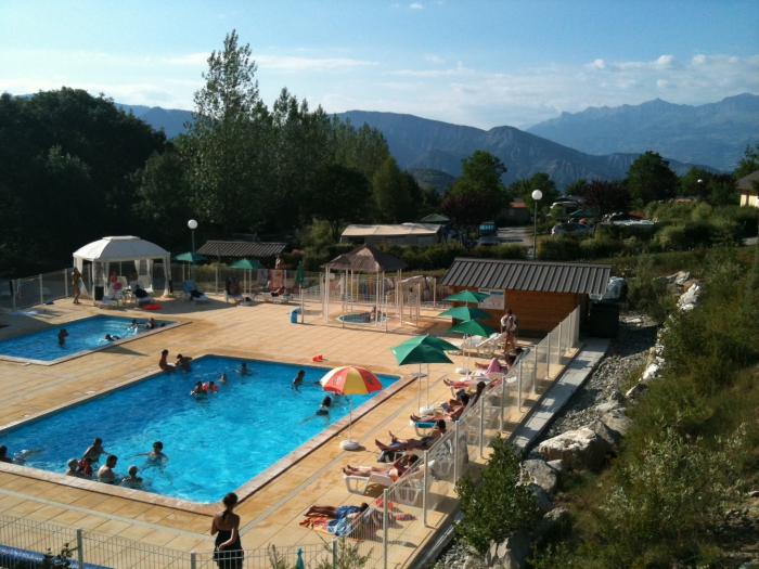 Camping vacaf alpes de haute provence tous les campings for Piscine l aigle